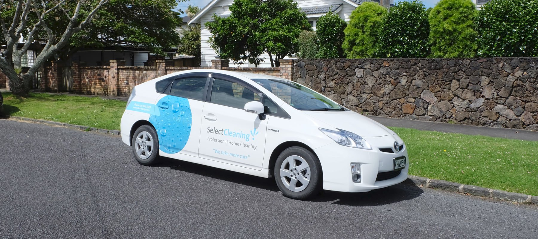 Vehicler graphics on car of Select Cleaning business owner in Auckland